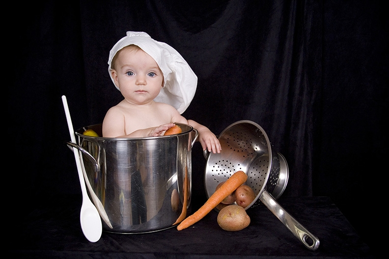 baby-in-cooking-pot