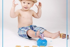 Chandler-Baby-Portrait-Photographer-Documents-First-Birthday-Smash-Cake-1