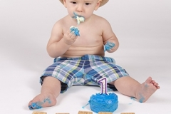 Chandler-Baby-Portrait-Photographer-Documents-First-Birthday-Smash-Cake-6