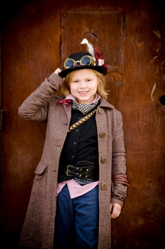 Family-Portraits-Steampunk-Outfits-Downtown-Tempe-10